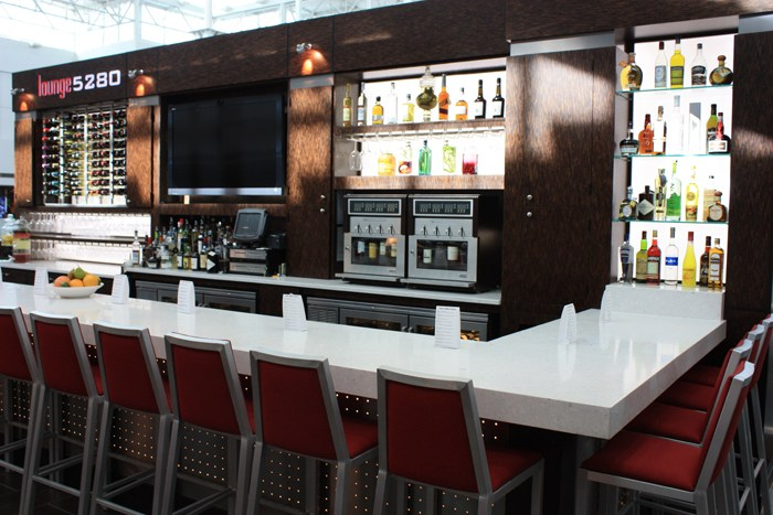 Lounge 5280, Denver International Airport - NapaTechnology.com